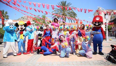 Pelüş Maskotlar Kiralama İzmir