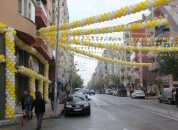 Üçgen Bayrak Süsleme ve Zincir Balon Süsleme Açılış Organizasyonu