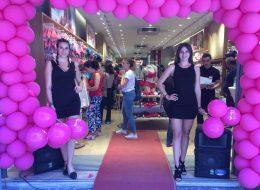 Karşılama Hostesleri Eşliğinde Açılış Organizasyonu ve Baskılı Balonların Dağıtımı İzmir