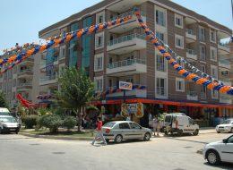 Kırlangıç ve Üçgen Bayrak Süslemeleri İzmir