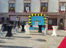 Açılış Organizasyonu Bistro Masa ve Palmiye Isıtıcı Kiralama İzmir