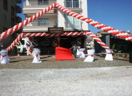 İzmir Organizasyon Bistro Masa ve Kırmızı Halı Kiralama İzmir Organizasyon
