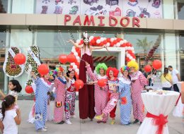 Zincir Balon Süsleme Tahta Bacak Gösterisi ve Palyaço Kiralama İzmir