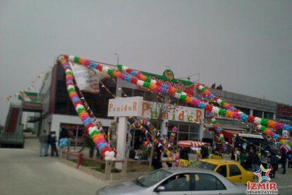 İzmir Balçova Pamidor Açılış Organizasyonu Balon ve Bayrak Süsleme İzmir Organizasyon