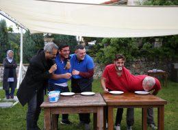 Yoğurt Yeme Yarışmasında Rekabet ve Eğlence Dolu Dakikalar İzmir