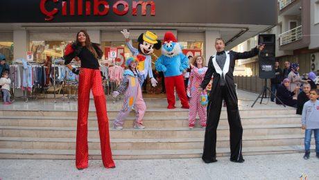 Tahta Bacak Gösterisi ve Animasyonlu Açılış Organizasyonu İzmir